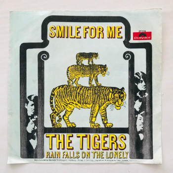 Tigers, The - Smile For Me...